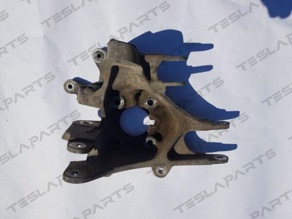 Парт номер: 1042506 00 B 2 600x450 - Поворотный кулак задний левый RWD