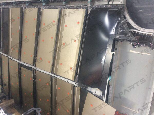 Парт номер: IMG 3453 scaled 600x450 - Корпус батареи, ASY, HV BATT, 100kWh, SX