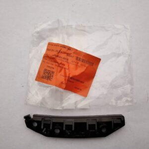Парт номер: 15 rotated 300x300 - Кронштейн передний бампер/крыло левый {M3}