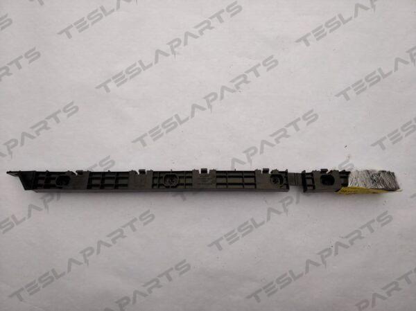 Парт номер: 30 rotated 600x449 - Кронштейн бампера заднего левый {MSR}