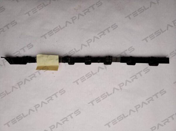 Парт номер: 6 rotated 600x449 - Кронштейн крепления заднего бампера правый {MX}
