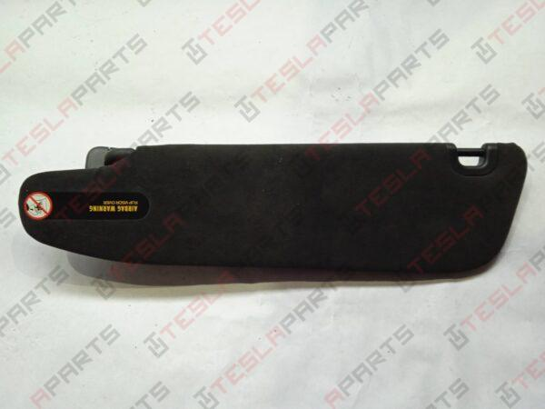 1050620-06-A - Козырёк солнцезащитный правый Black
