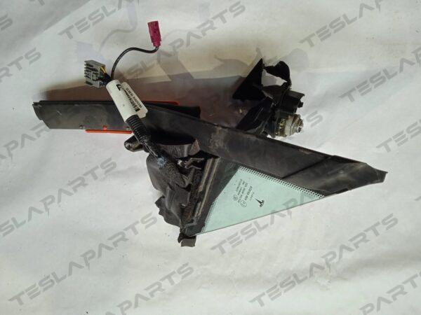 6006644-00-J - Форточка передняя левая